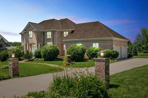 8305 Heather Ridge, Spring Grove, IL 60081