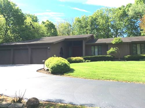 3401 Sherwood Forest, Spring Grove, IL 60081