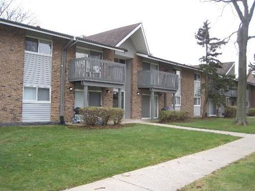 16W465 Mockingbird Unit 208, Willowbrook, IL 60527