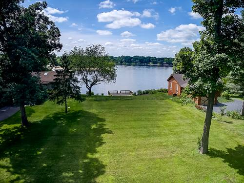818 Lake Holiday, Sandwich, IL 60548