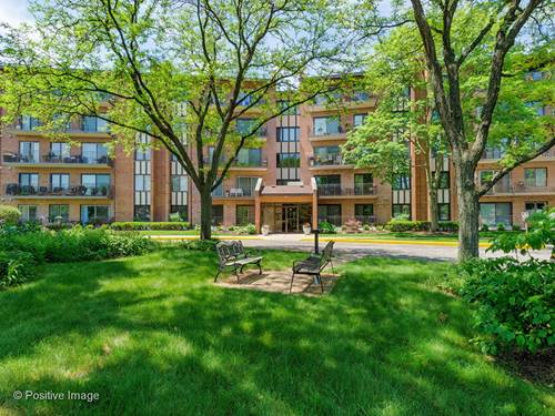 701 Lake Hinsdale Unit G-202, Willowbrook, IL 60527