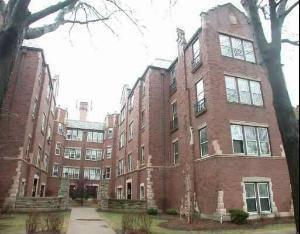 6749 N Artesian Unit 2B, Chicago, IL 60645