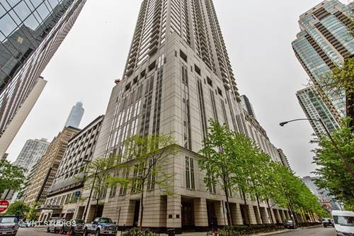 55 E Erie Unit 2102, Chicago, IL 60611 River North