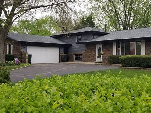 28w773 Richards, Naperville, IL 60564