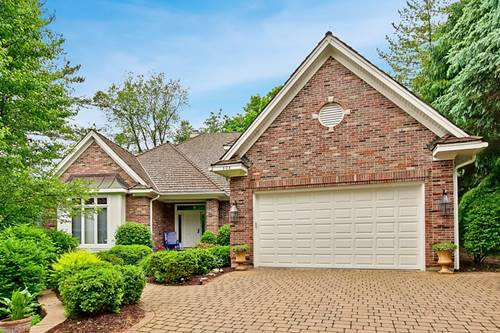 304 Carriage Hill, Libertyville, IL 60048