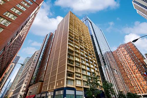 21 E Chestnut Unit 3AC, Chicago, IL 60611 Gold Coast