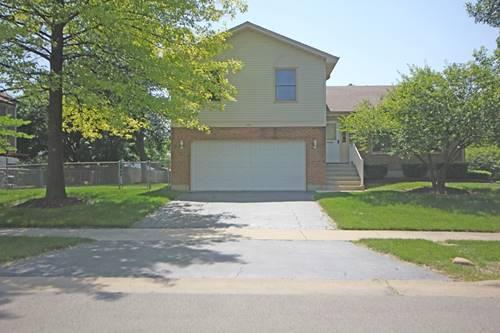 620 Rodenburg, Roselle, IL 60172