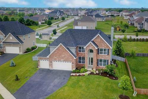 825 Carly, Yorkville, IL 60560