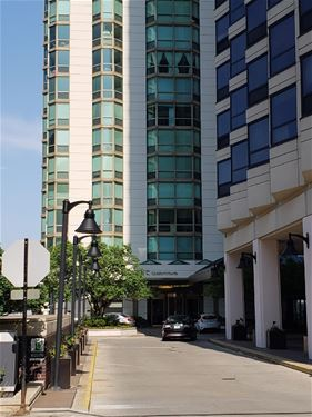 195 N Harbor Unit 704, Chicago, IL 60601 New Eastside