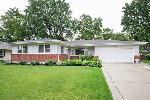 1807 Country Knoll, Elgin, IL 60123