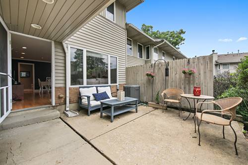471 River Bend Unit 107, Naperville, IL 60540