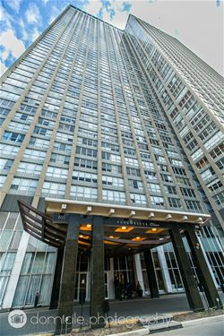 655 W Irving Park Unit 3304, Chicago, IL 60613 Lakeview