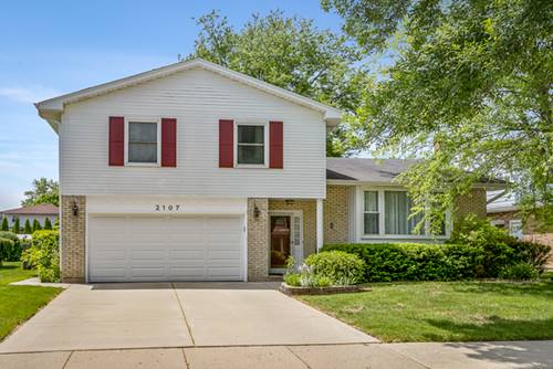 2107 E Lillian, Arlington Heights, IL 60004