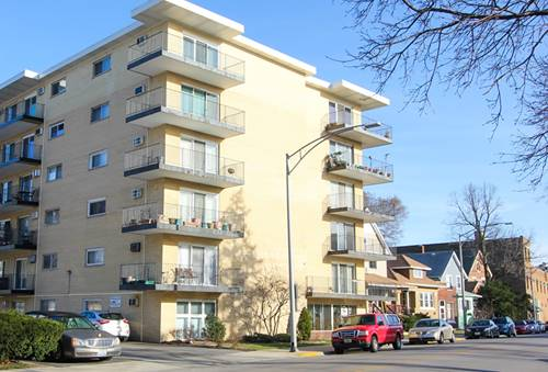320 Circle Unit 303, Forest Park, IL 60130