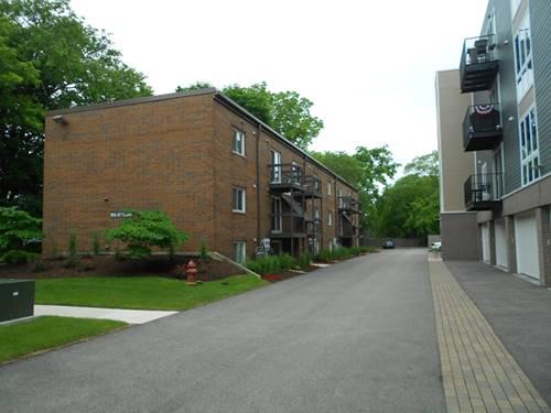 905 N Milwaukee Unit 101, Libertyville, IL 60048