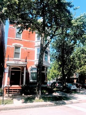 3358 N Seminary Unit 2, Chicago, IL 60657 Lakeview