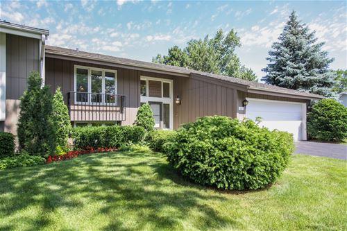 68 Briarwood, Oak Brook, IL 60523