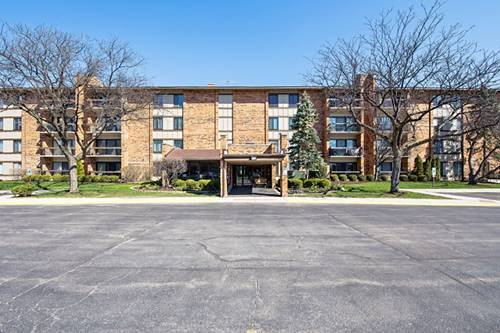 77 Lake Hinsdale Unit 111, Willowbrook, IL 60527
