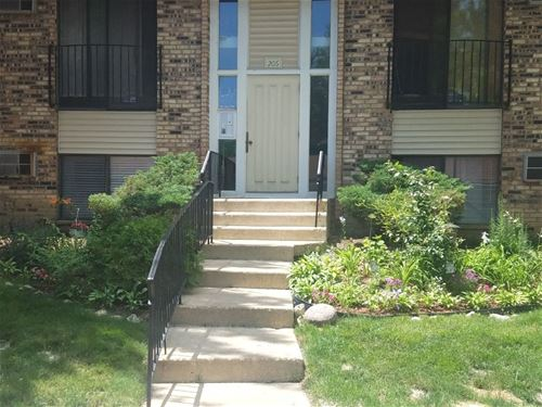206 S Waters Edge Unit 101, Glendale Heights, IL 60139
