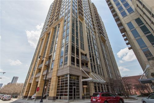 700 N Larrabee Unit 2010, Chicago, IL 60654 River North