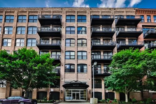 520 W Huron Unit 209, Chicago, IL 60654 River North
