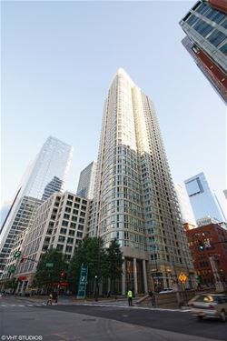 345 N La Salle Unit 3105, Chicago, IL 60654 River North