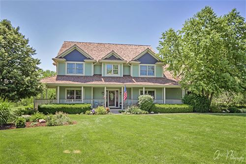 8209 Carriage, Spring Grove, IL 60081