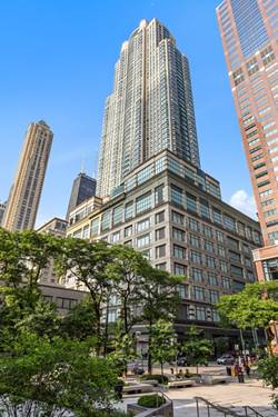 100 E Huron Unit 3201, Chicago, IL 60611 River North