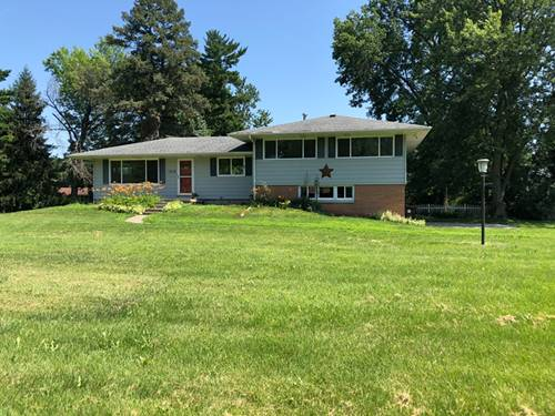 1016 E Richardson, Farmer City, IL 61842