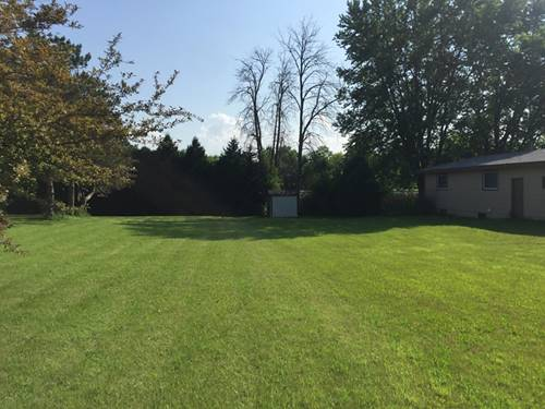 730 Washington (Lot), Woodstock, IL 60098