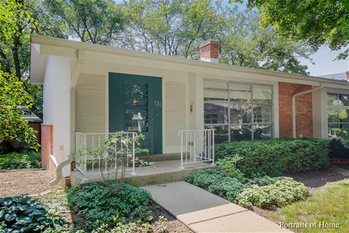 726 Carriage Hill, Glenview, IL 60025