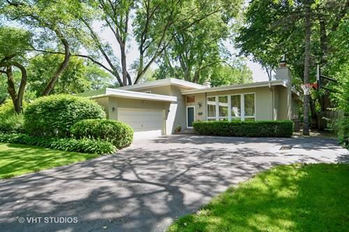 761 Strawberry Hill, Glencoe, IL 60022