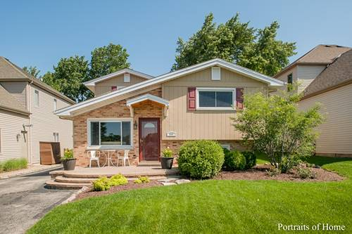565 W Gladys, Elmhurst, IL 60126
