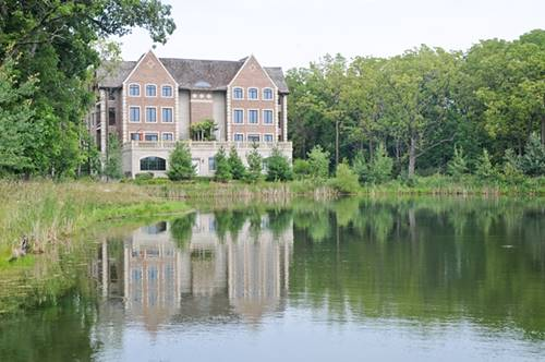 1800 Amberley Unit 112, Lake Forest, IL 60045
