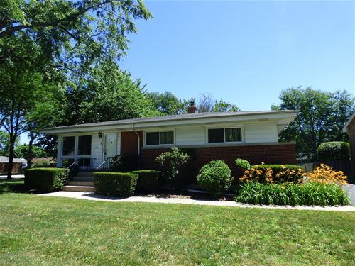 3 S Reuter, Arlington Heights, IL 60005