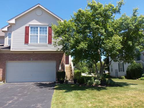 816 Riding, St. Charles, IL 60174