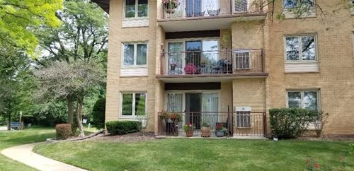 2500 W Talcott Unit 103, Park Ridge, IL 60068