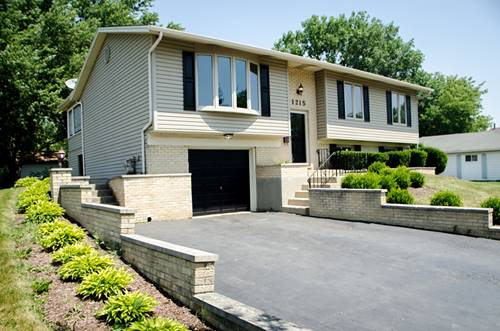 1215 Laurie, Hanover Park, IL 60133