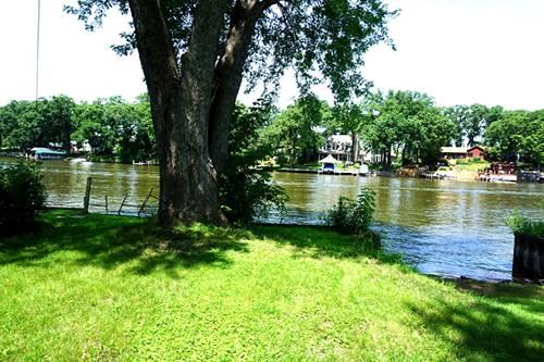 2204 Beach, Fox River Grove, IL 60021