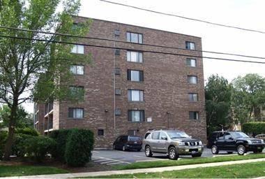 555 Graceland Unit 503, Des Plaines, IL 60016
