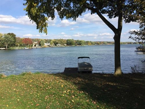 17 Delburne, Lake Summerset, IL 61019