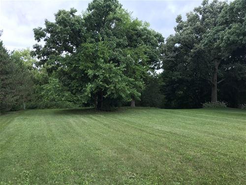 663 Oak, South Elgin, IL 60177