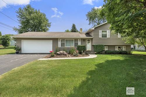 50 Ashlawn, Oswego, IL 60543