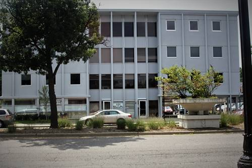 101 Madison Unit 4A, Oak Park, IL 60304
