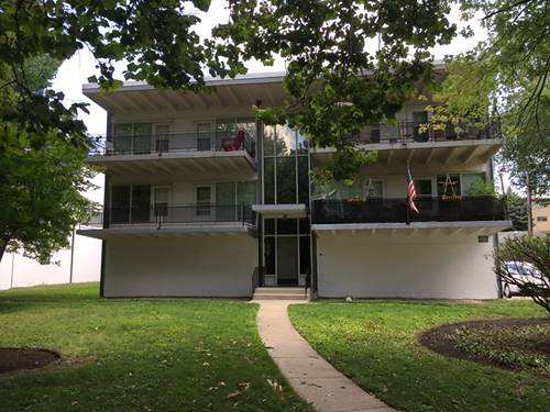 7446 Franklin Unit 1NW, Forest Park, IL 60130