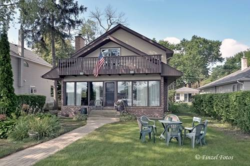 704 Country Club, Mchenry, IL 60050