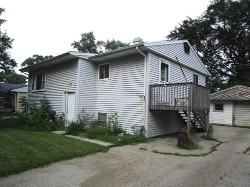 53 Hickory, Carpentersville, IL 60110