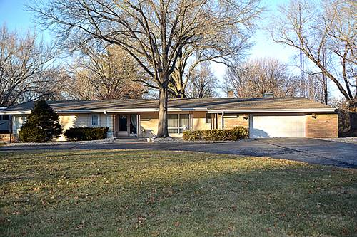 3 Marquette, Kankakee, IL 60901