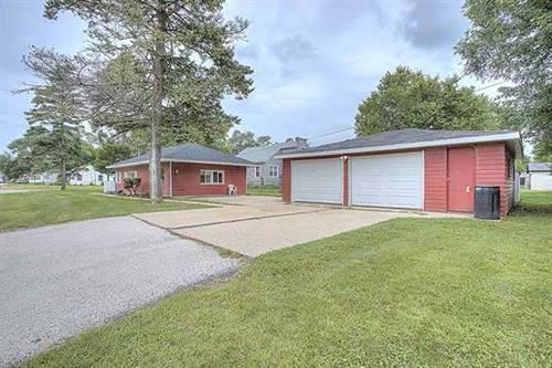 608 Maple, Machesney Park, IL 61115