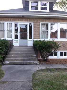 1724 Dewes, Glenview, IL 60025